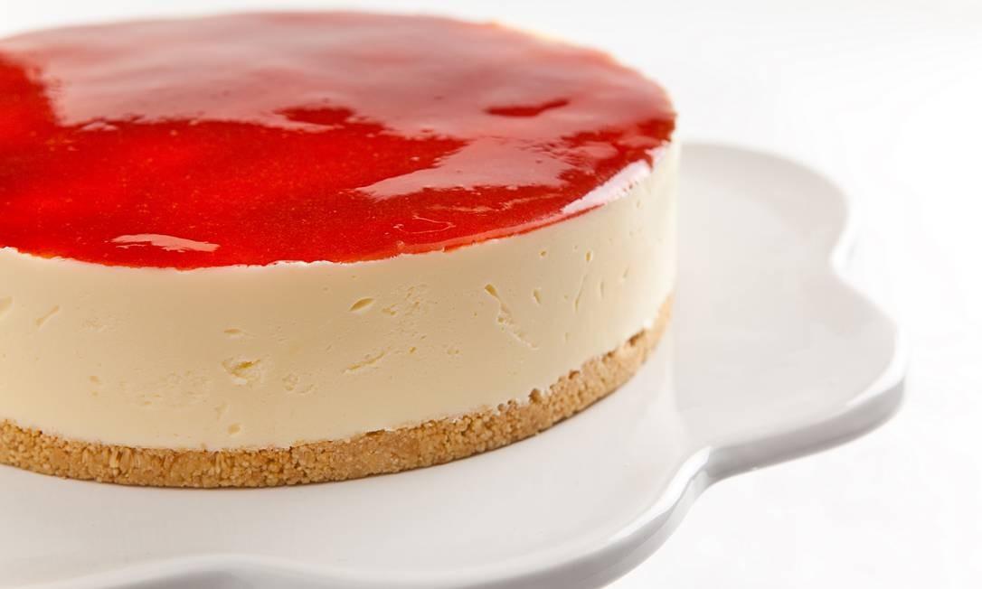 Torta & Cia. A cheesecake com goiaba não leva açúcar. (R$128, inteira/R$14, fatia). Cobal do Humaitá, Rua Voluntários da Pátria, 446, loja 13, Humaitá. (2537-8484) Foto: Tomás Rangel / Torta & Cia. A cheesecake com goiaba não leva açúcar. (R$128, inteira/R$14, fatia). Cobal do Humaitá, Rua Voluntários da Pátria, 446, loja 13, Humaitá. (2537-8484)