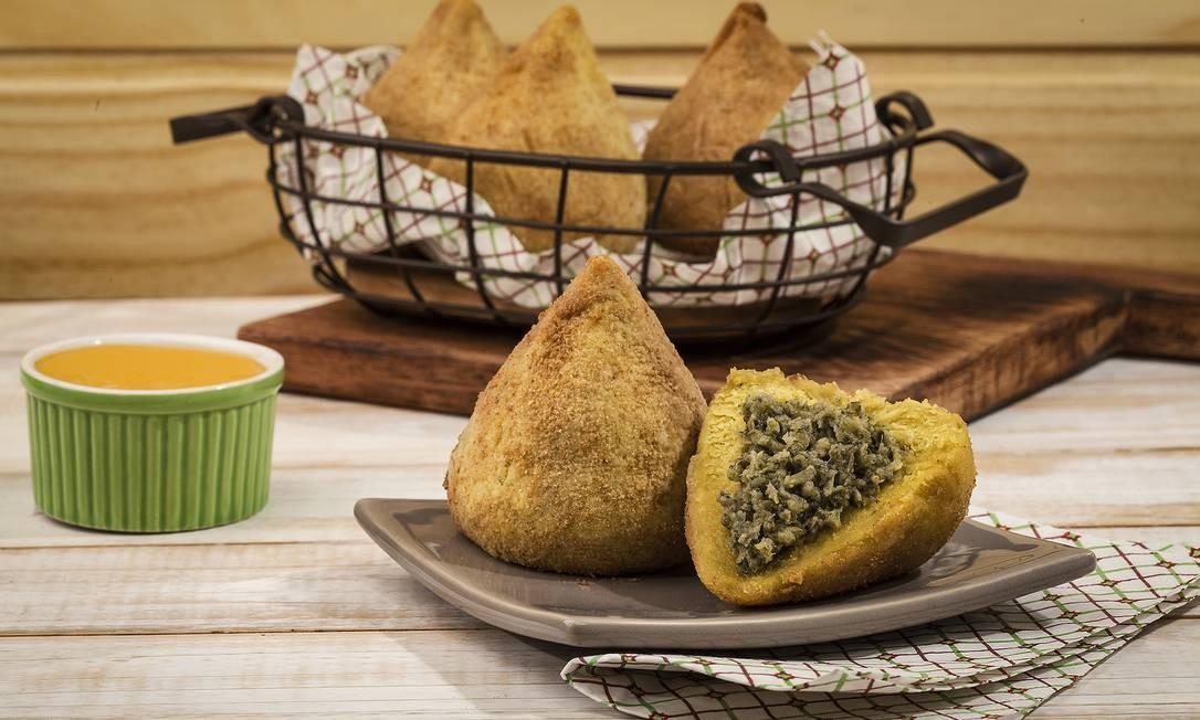 VEG+. A coxinha de brócolis (R$ 7, cada) é vegana. Ataulfo de Paiva 658, Leblon. (2540-5258) Eduardo Guedes / Divulgação