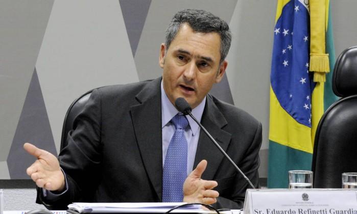 Moody's melhora perspectiva do Brasil de negativa para estável