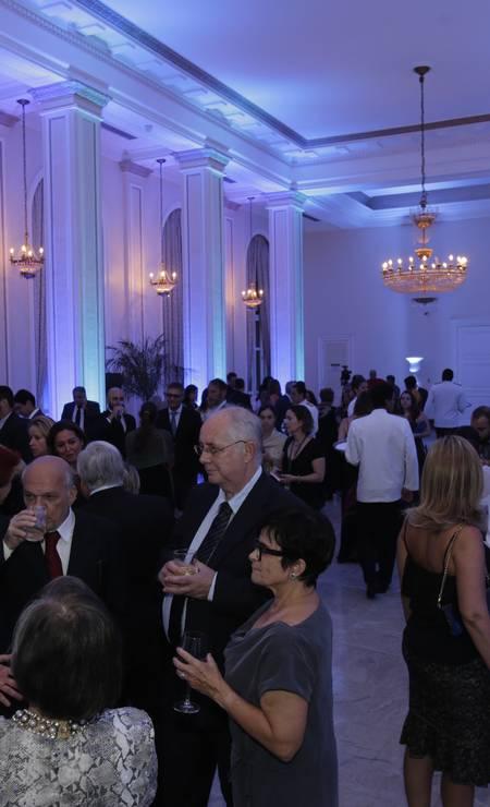 Convidados aguardam no Copacabana Palace o início da cerimômia de entrega do Prêmio Faz Diferença Foto: Alexandre Cassiano / Alexandre Cassiano