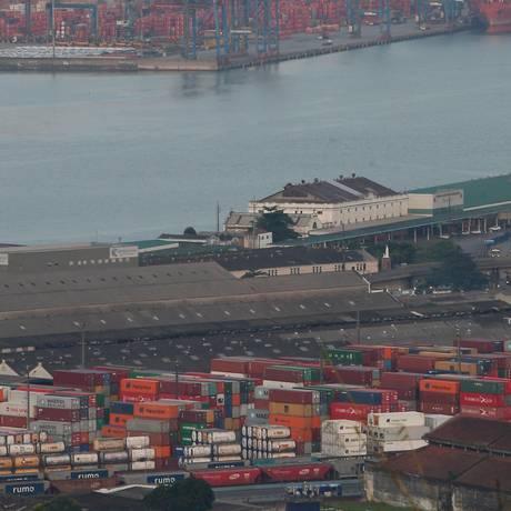 Irregularidades no Porto de Santos são alvo de inquérito no STF que investiga Temer Foto: Marcos Alves / Agência O Globo 08-06-2017