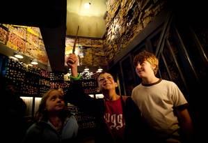 Harry Potter. Os fãs do jovem bruxinho podem mover objetos com varinhas mágicas Foto: Divulgação/Visit Orlando