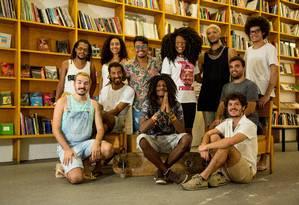 Representantes de vários projetos culturais no Galpão Bela Maré Foto: Agência O Globo / Brenno Carvalho