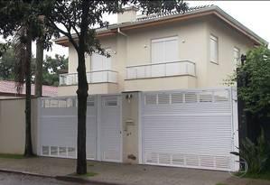 Fachada da casa da filha de Temer em São Paulo. Polícia investiga se reforma foi pagamento de propina Foto: Reprodução TV Globo
