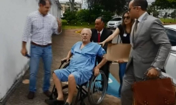 Maluf devolve apartamento funcional e vai pagar multa de R$ 10,4 mil