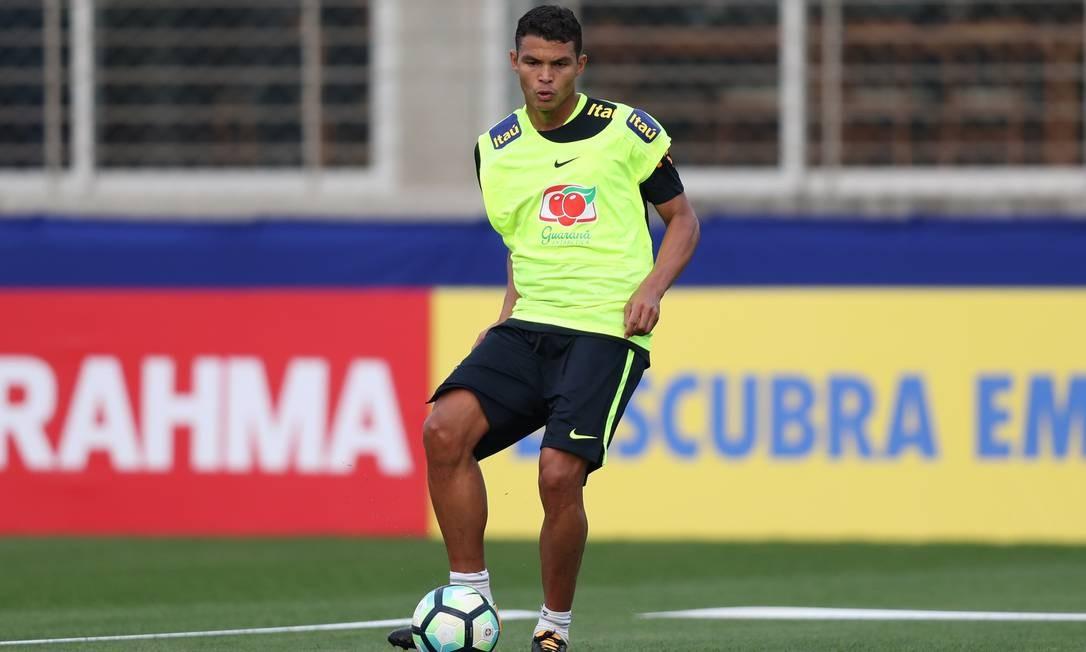 Thiago Silva em treino da seleção brasileira: zagueiro voltou a ter espaço com Tite Foto: Lucas Figueiredo/CBF / Lucas Figueiredo/CBF