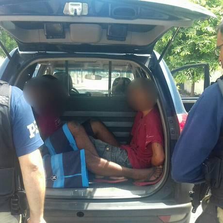Suspeitos foram detidos na Pavuna, na Zona Norte do Rio Foto: Divulgação/PRF