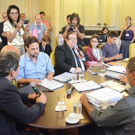 Votação do relatório final da CPI dos Ônibus termina em bate-boca na Câmara Foto: Renan Olaz/CMRJ