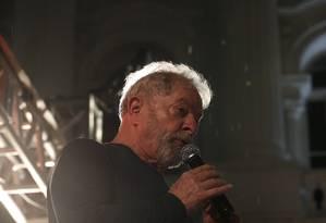 O ex-presidente Lula, durante ato que encerrou a caravana pelo sul do país em Curitiba Foto: Marcos Alves / Agência O Globo (28/03/2018)