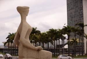 Estátua da Justiça em frente ao Supremo Tribunal Federal (STF) Foto: Jorge William / Agência O Globo 09/02/2018