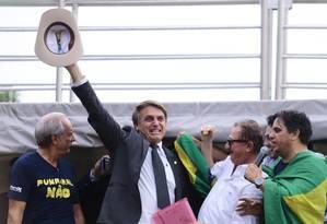 O deputado Jair Bolsonaro participa de protesto pela prisão do ex-presidente Lula Foto: Jorge William/Agência O Globo