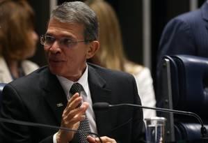 O ministro interino da Defesa, Joaquim Silva Luna, no plenário do Senado Foto: Ailton de Freitas/Agência O Globo/06-03-2018