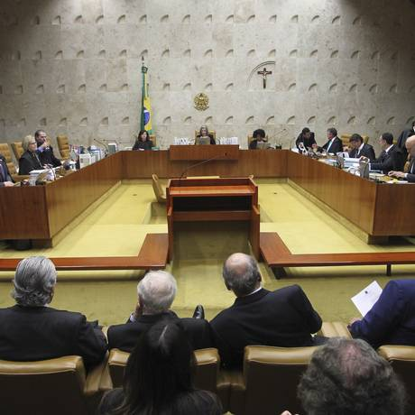 Ministros do STF analisam pedido de habeas corpus preventivo do ex-presidente Luiz Inácio Lula da Silva Foto: Aílton de Freitas / Agência O Globo
