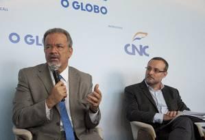 Ministro da Segurança Pública, Raul Jungmann, e Renato Sergio de Lima, diretor presidente do Fórum de Segurança Pública Foto: Agência O Globo