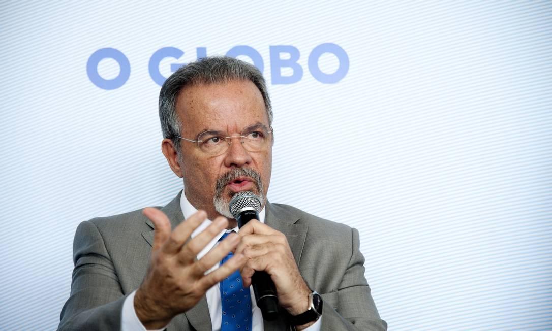 Para ministro, o problema se deve à formação militar do interventor Foto: Agência O Globo