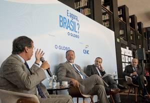 Ministro da Segurança quer que países como Colômbia, Peru, Bolívia e Paraguai sejam mais ativos no combate ao tráfico de drogas Foto: Agência O Globo
