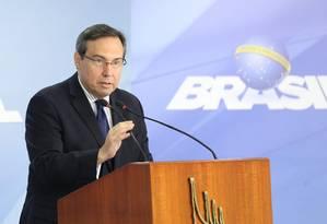 O porta-voz da presidência, Alexandre Parola, fala sobre dados da intervenção federal no Rio Foto: Ailton de Freitas / Agência O Globo