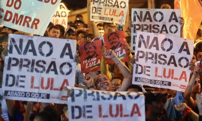 Prisão do Lula está entre assuntos mais comentados no Twitter