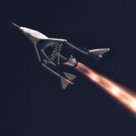 Imagem do primeiro teste de voo autônomo da VSS Unity, novo modelo da nave de turismo espacial da Virgin Galactic Foto: null / Divulgação/Virgin Galactic