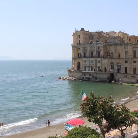 Nápoles: antes com má fama, cidade agora atrai turistas fãs de Elena Ferrante Foto: Danielle Oteri