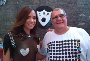 Denise Dias foi recebida pelo presidente do bloco, Pedro Ernesto Marinho Foto: Gilberto Porcidonio