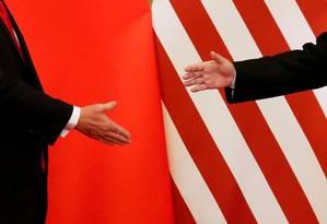 Mais distantes. Presidente Donald Trump e o presidente chinês Xi Jinping: guerra comercial pode afetar negócios digitais Foto: REUTERS/Damir Sagolj/09-11-2017