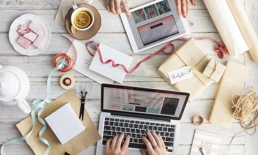 Corte ao acesso de e-mails e login do funcionário ajudam a limitar as horas de trabalho Foto: Pixabay