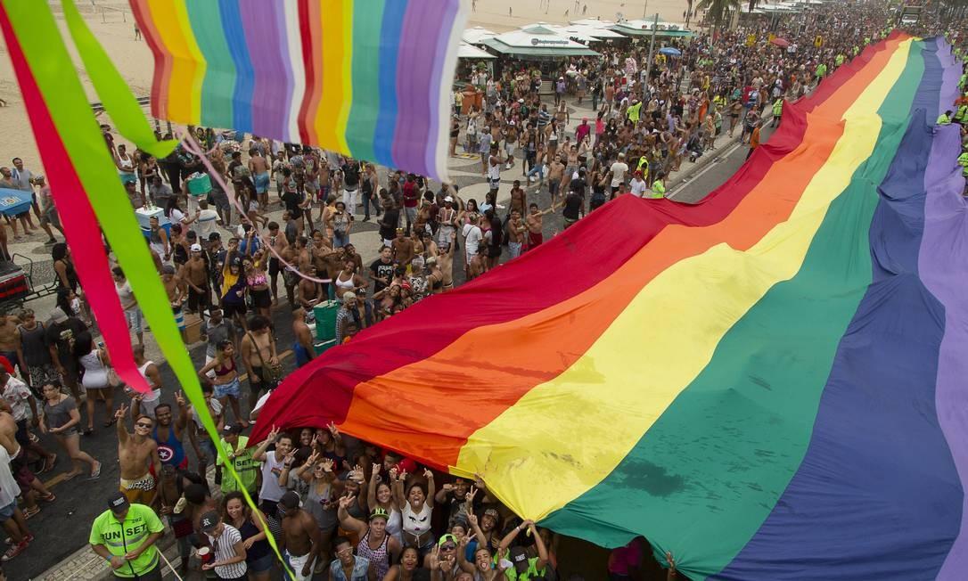 Parada LGBT na Praia de Copacabana, no Rio de Janeiro Foto: Leo Martins/Agência O Globo/11-12-2016