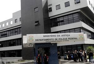 A sede da Polícia Federal em Curitiba, onde Lula cumpre sua pena Foto: RICARDO MORAES / REUTERS