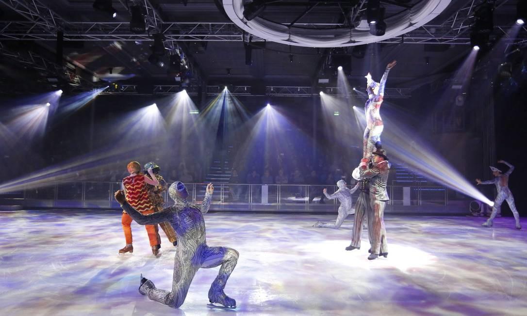 """Espetáculo """"1977"""", de patinação no gelo Foto: Marcelo Carnaval / Agência O Globo"""
