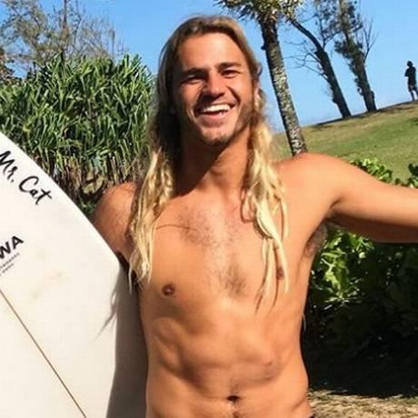 Caio Vaz não corta os cabelos há 10 anos Foto: Reprodução/ Instagram