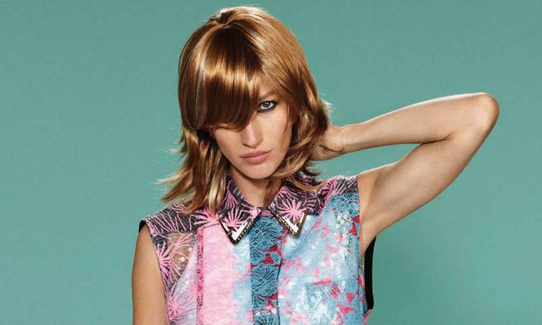 A grife francesa Balenciaga gosta de transformar mesmo o visual de Gisele. Aqui, a modelo na campanha de verão 2011 da casa Divulgação