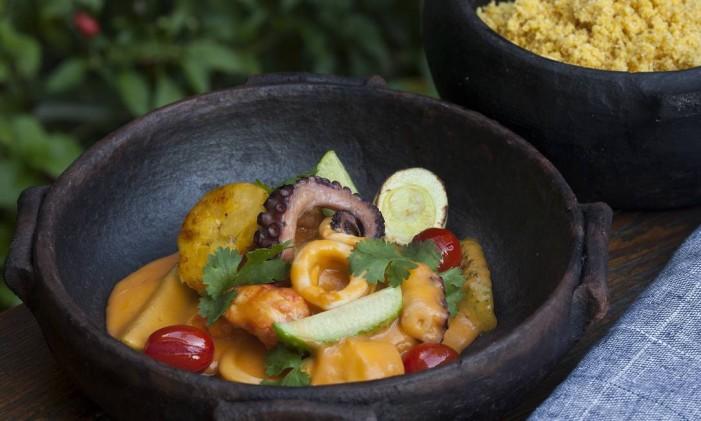 Botequim Restaurante: caldeirada de frutos do mar com maxixe Foto: RICARDO BHERING / Divulgação/Ricardo Bhering