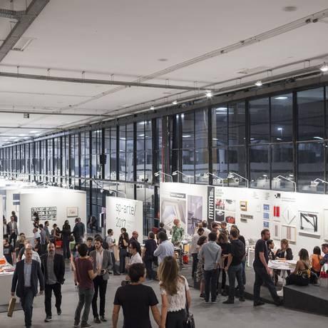 Visão geral da SP-Arte, no Pavilhão da Bienal, em 2017 Foto: Jéssica Mangaba/Divulgação