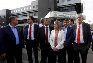 Governadores tentaram visitar Lula na prisão em Curitiba, mas foram barrados Foto: Pablo Jacob / Agência O Globo