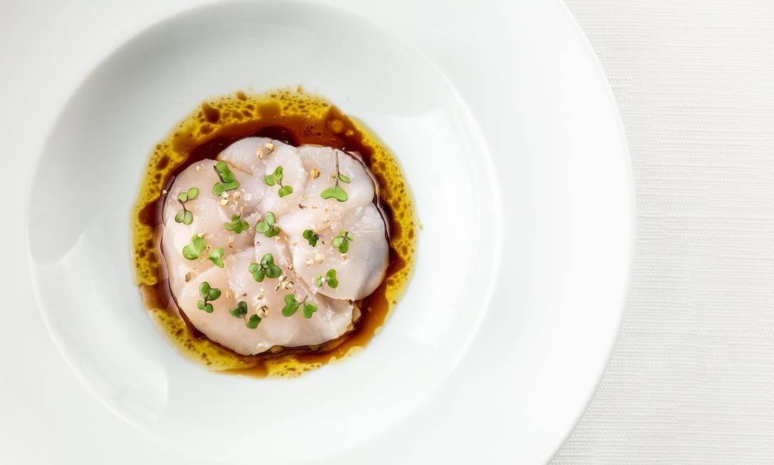 Comandado pelo chef Thomas Troisgrois, o restaurante francês Olympe mantém a estrela Michelin. R. Custódio Serrão 62, Lagoa (2537-8582) Foto: Tomas Rangel / Divulgação