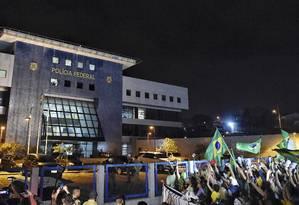 Superintendência da PF em Curitiba, onde o ex-presidente Lula está preso. Foto: Denis Ferreira/AP/07-04-2018