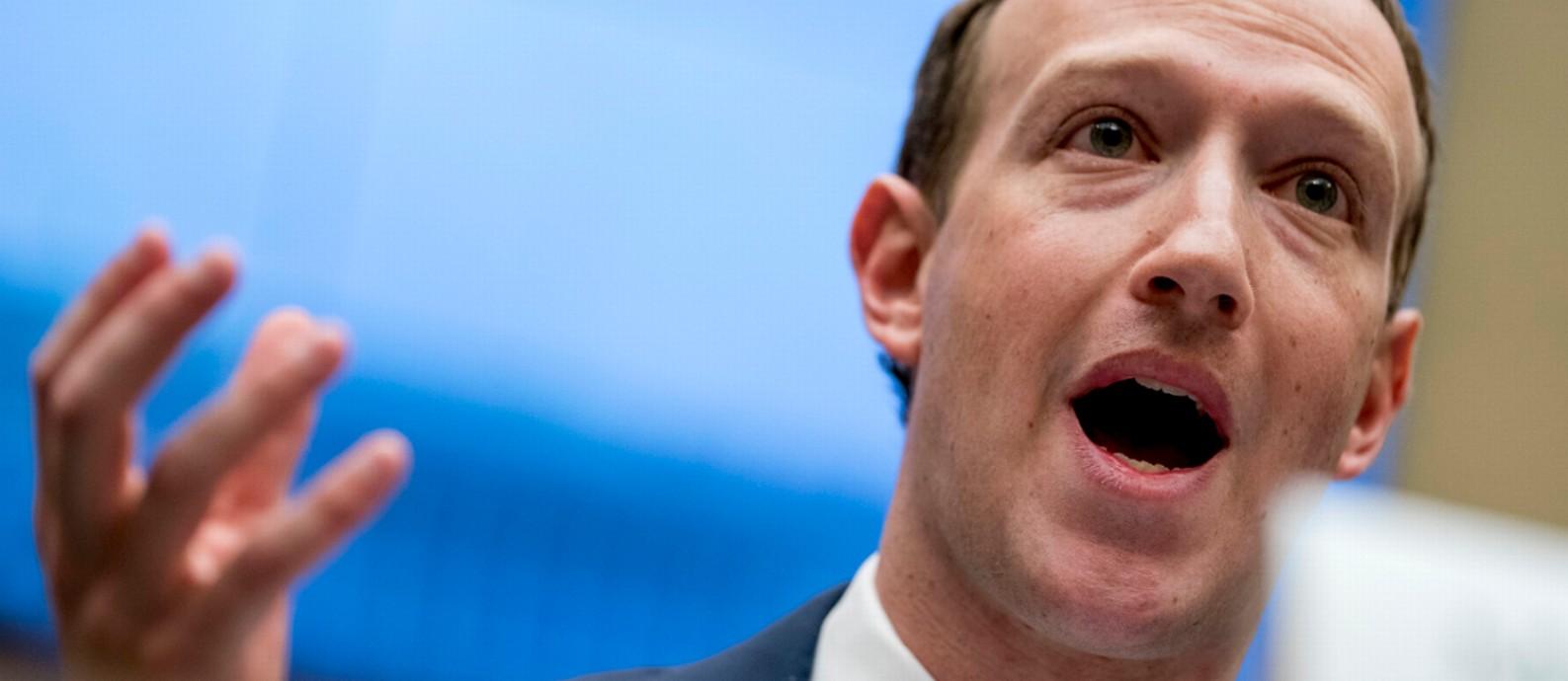 O fundador do Facebook, Mark Zuckerberg, em discurso à Câmara dos Representantes, nos EUA Foto: Andrew Harnik / AP