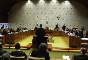 Ministra Cármen Lúcia preside a sessão do julgamento no Supremo Tribunal Federal (STF) sobre habeas corpus do ex-ministro Antônio Palocci Foto: Jorge William / Agência O Globo