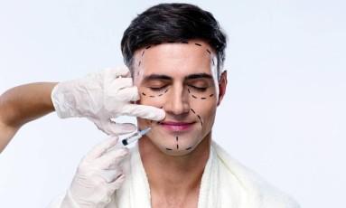 Plástica em homens Foto: Shutterstock