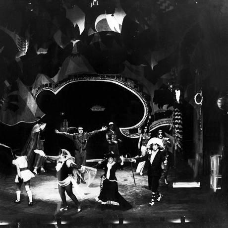 Teatro Oficina apresenta 'O Rei da Vela' em 1967 com Renato Borghi como Abelardo e direção de Zé Celso Martinez Corrêa Foto: Divulgação / Divulgação