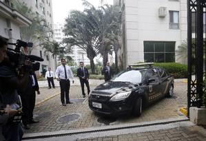 Operação Rizoma na casa do ex-assessor nacional de comunicação do PT Marcelo Sereno, preso pelos agentes da PF Foto: Marcos de Paula / Agência O Globo