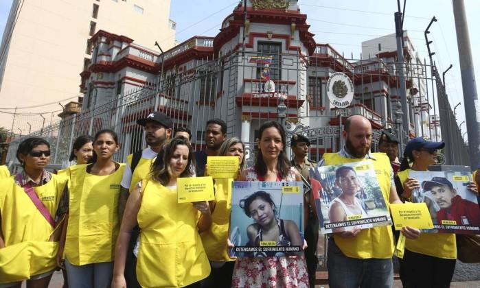 Governadora pede à justiça encerramento da fronteira do Brasil com a Venezuela