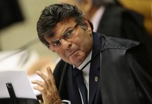O ministro Luiz Fux, em sessão do Supremo Tribunal Federal para julgar o habeas corpus de Antônio Palocci Foto: Jorge William / Agência O Globo 12/04/2018