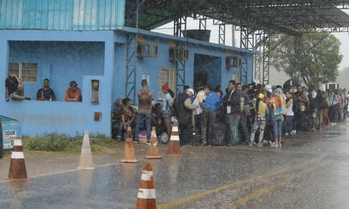 Aloysio sobre proposta de fechar fronteira com Venezuela: 'tenha santa paciência'