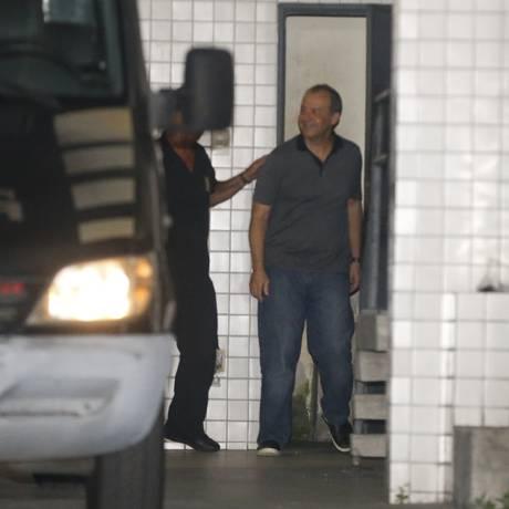 Sérgio Cabral volta ao Rio após passar quase três meses em presídio de Curitiba Foto: Domingos Peixoto / Agência O Globo
