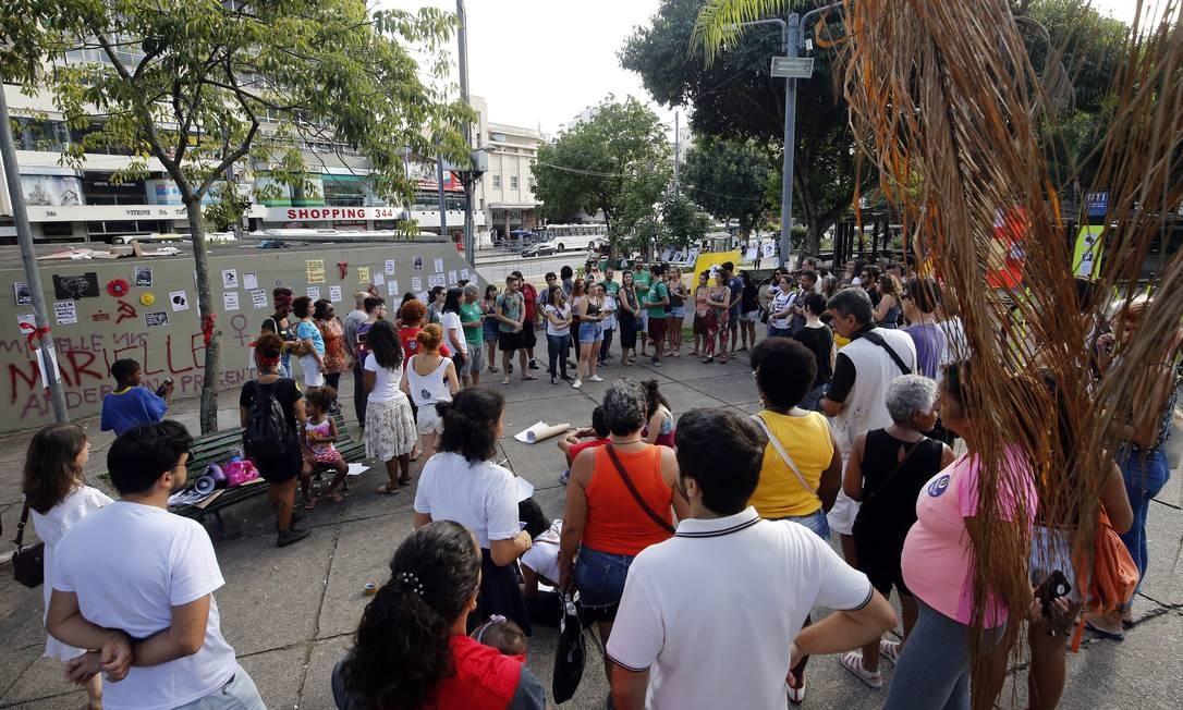 A Praça Saens Pena foi tomada por manifestantes Foto: MARCOS DE PAULA / Agência O Globo