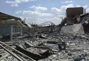Danos causados pelo ataque de EUA, França e Reino Unido ao Centro de Pesquisa de Barzeh, na Síria Foto: Uncredited / AP