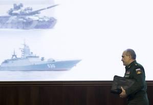 Coronel-general Sergei Rudskoi: Rússia afirma que Síria conseguiu derrubar boa parte dos mísseis Foto: Pavel Golovkin / AP