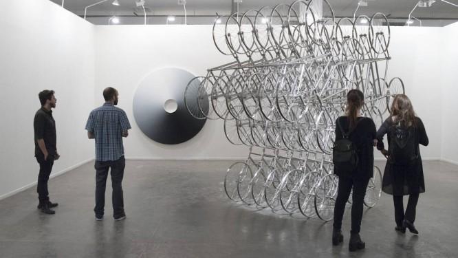 Escultura de do chinês Ai Weiwei na Neugerriemschneider: obra fez da galeria alemã uma das mais fotografadas Foto: Leo Eloy/Divulgação